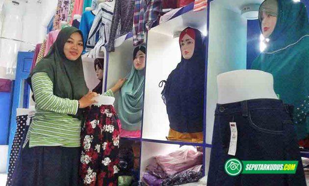 Koleksi baju perempuan Rumah Firdausi Kudus 2017_3_16