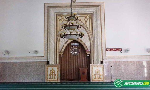 Bagian dalam masjid Al-Firdaus 2017_5